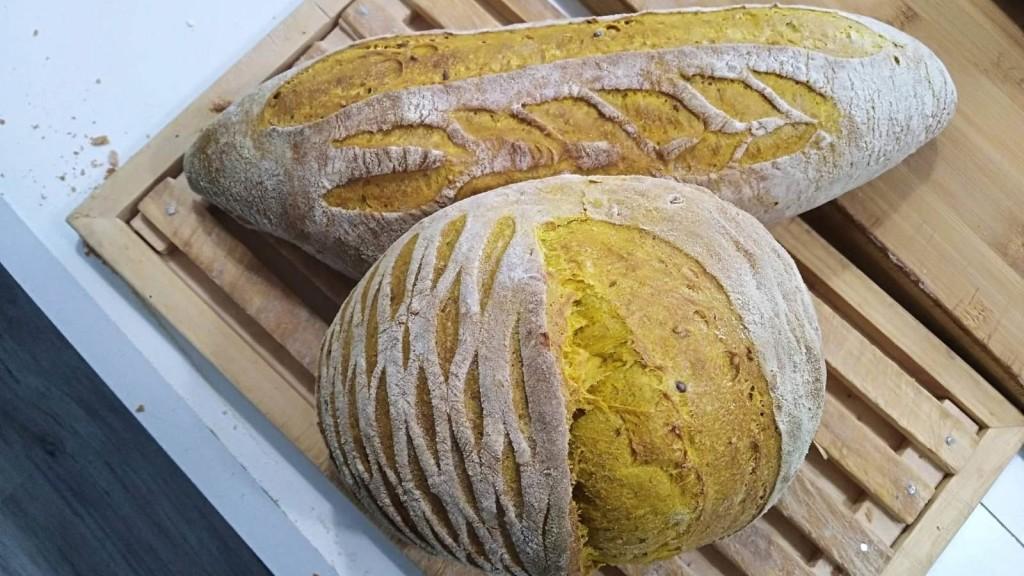 Pane al curcuma